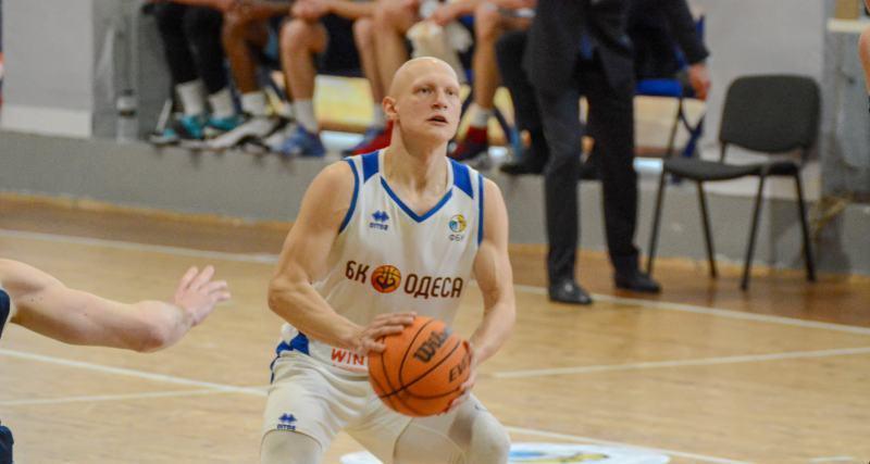 Артамонов продовжить клубну кар'єру в Кривбасі