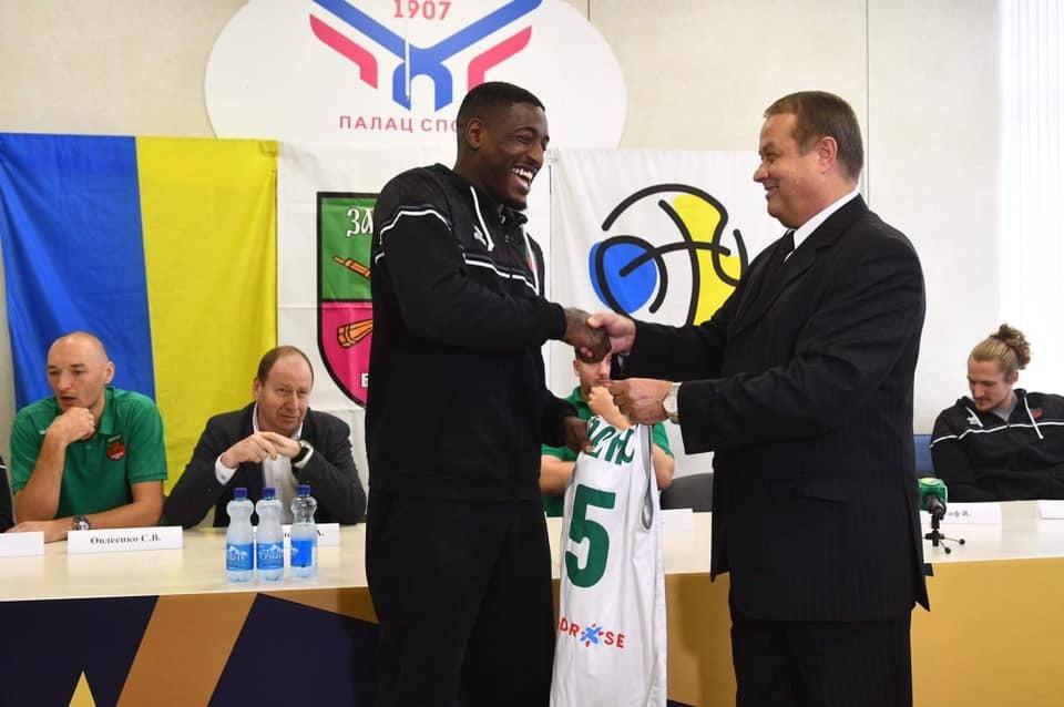 У БК Запоріжжя презентували нових гравців та розповіли, з чим починають сезон