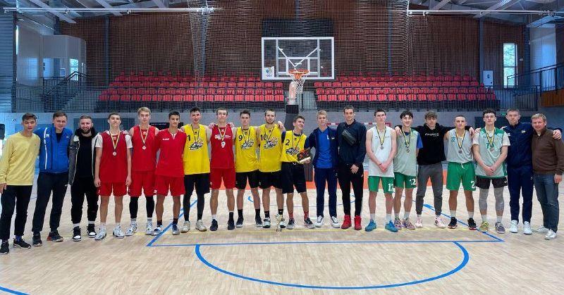 Нагородження призерів 3 туру юнацького U-18 чемпіонату України 3х3: фотогалерея