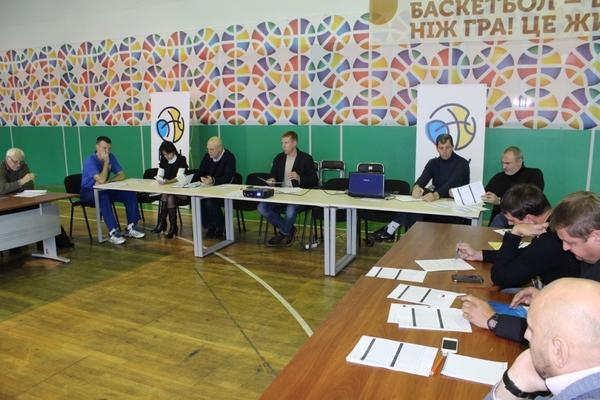 Тренерська комісія ФБУ назвала імена претендентів на посади тренерів збірних України