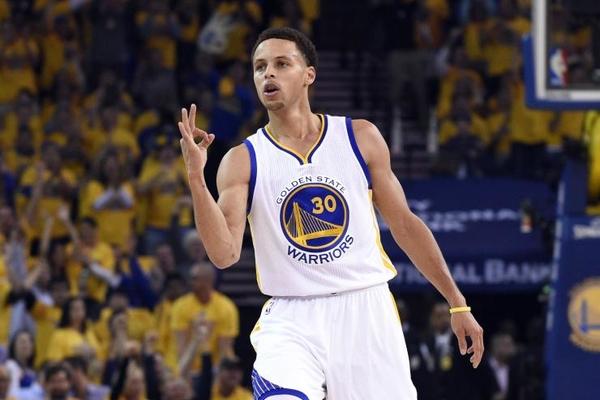 Юний фанат допоміг зірці НБА підготуватись до матчу: відео