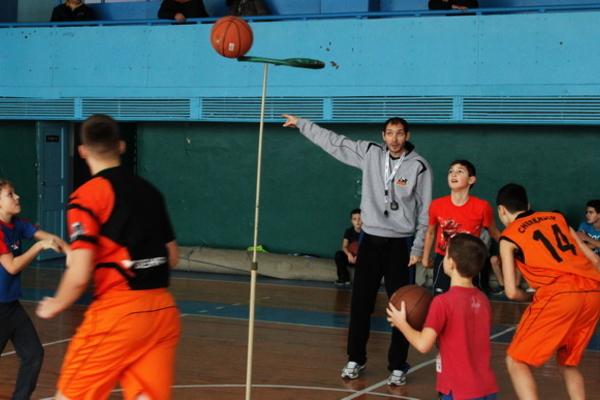 """Інноваційне тренування у баскетбольній школі """"Черкаських Мавп"""""""