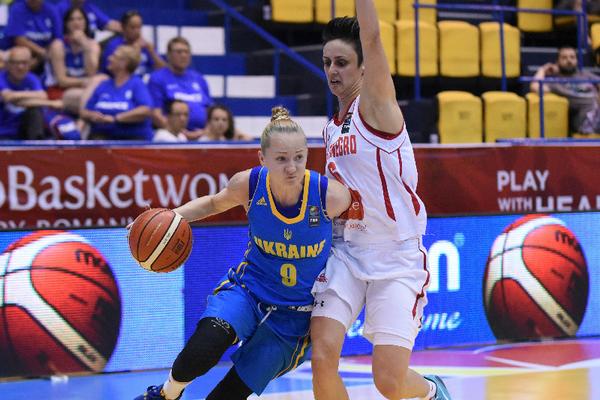 Олена Самбурська: У збірній є командний дух!