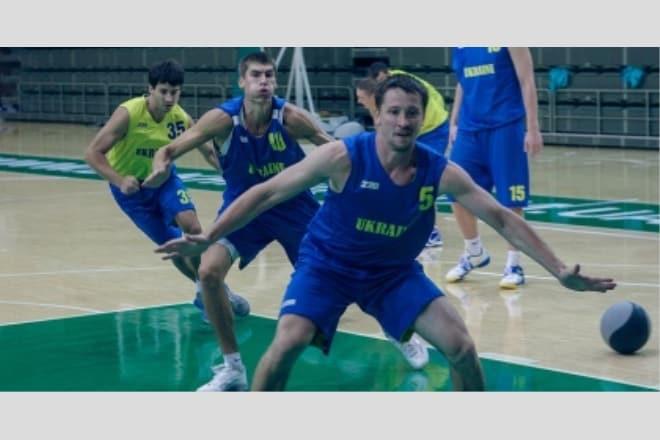 Збірна України вирушила на товариські матчі до Словенії