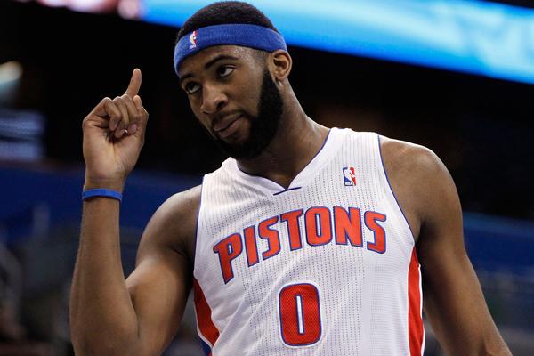 Центровий НБА реалізував найдальший кидок за 9 років: відео рекорду