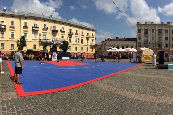 Відбірний етап чемпіонату України з баскетболу 3х3 у Чернівцях: відео