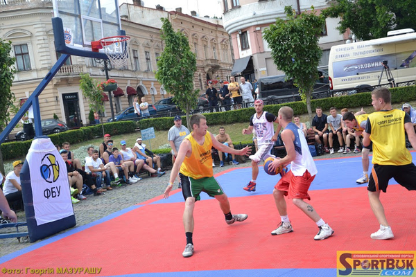 Етап чемпіонату України з баскетболу 3х3 в Чернівцях: фотогалерея