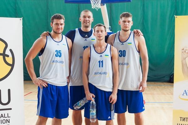 Гравці збірної України закликали підтримати команду в відбірковому матчі
