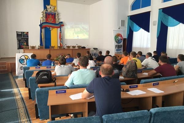 Провідні українські судді провели семінар у Коростені