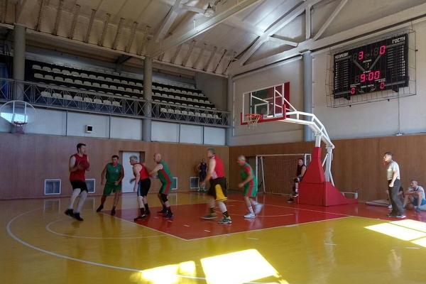 У Кривому Розі відбувся турнір з баскетболу 3х3 серед ветеранів