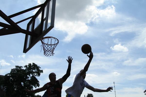Анонс турніру з баскетболу 3х3 в Чернівцях